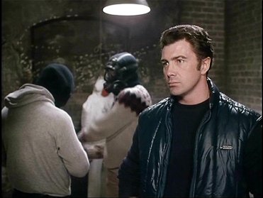 who dares wins lewis collins